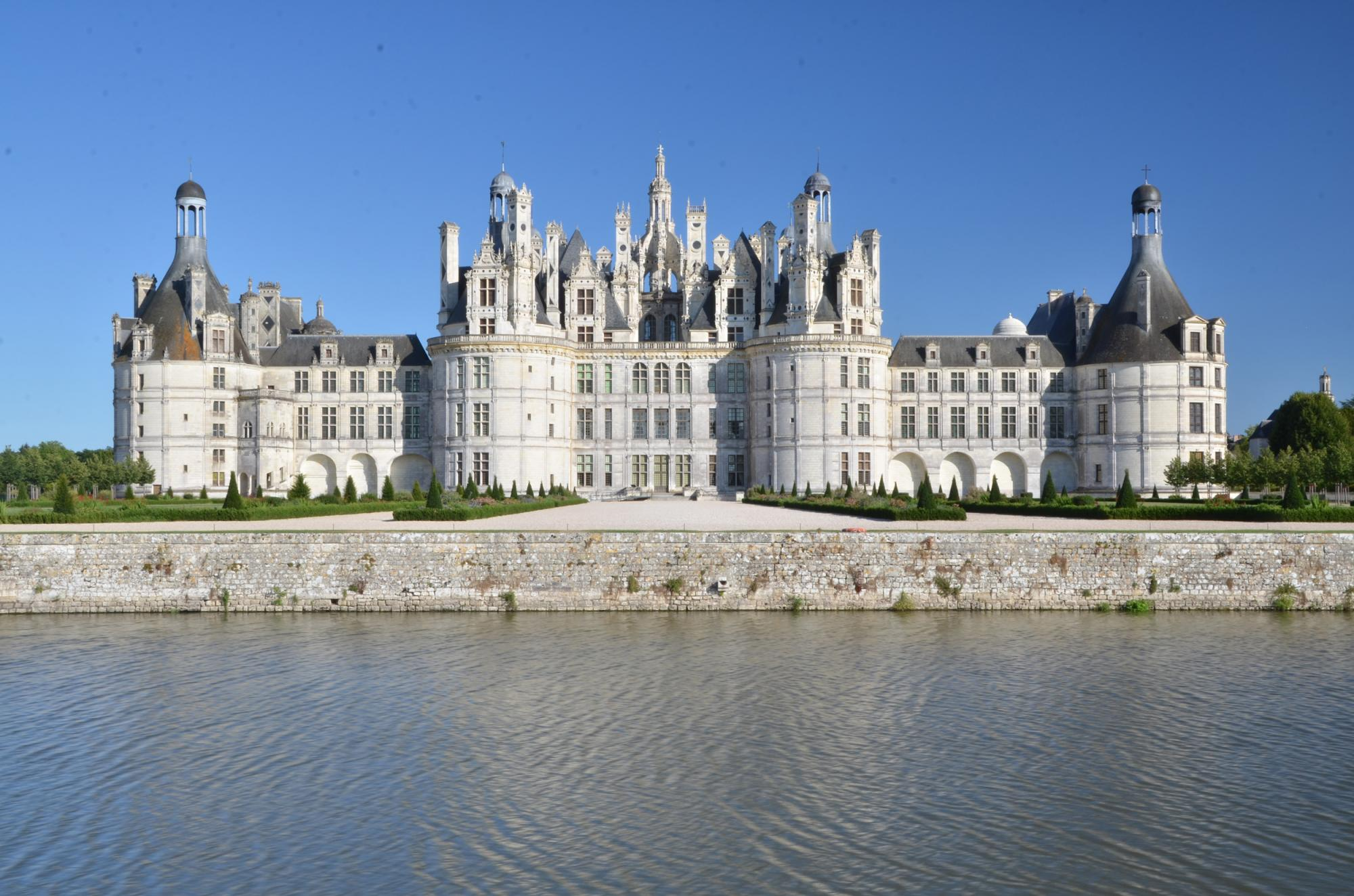 Historic monuments tour france visit medieval castle versailles
